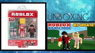ROBLOX HIGHSCHOOL/ FIGURE UNBOXING!!!