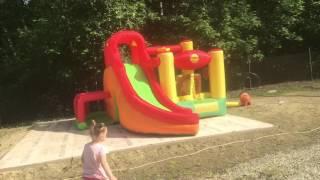 видео Надувной батут с горкой Happy Hop 9109