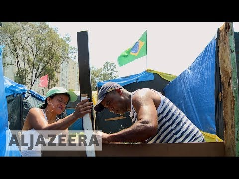 Thousands forced into tents outside Brazil's Sao Paulo 🇧🇷