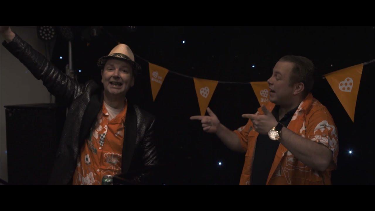 DJ Martiens en Roy Otters - Leve het Kratje bier
