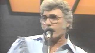 Watch Carl Perkins Boppin The Blues video