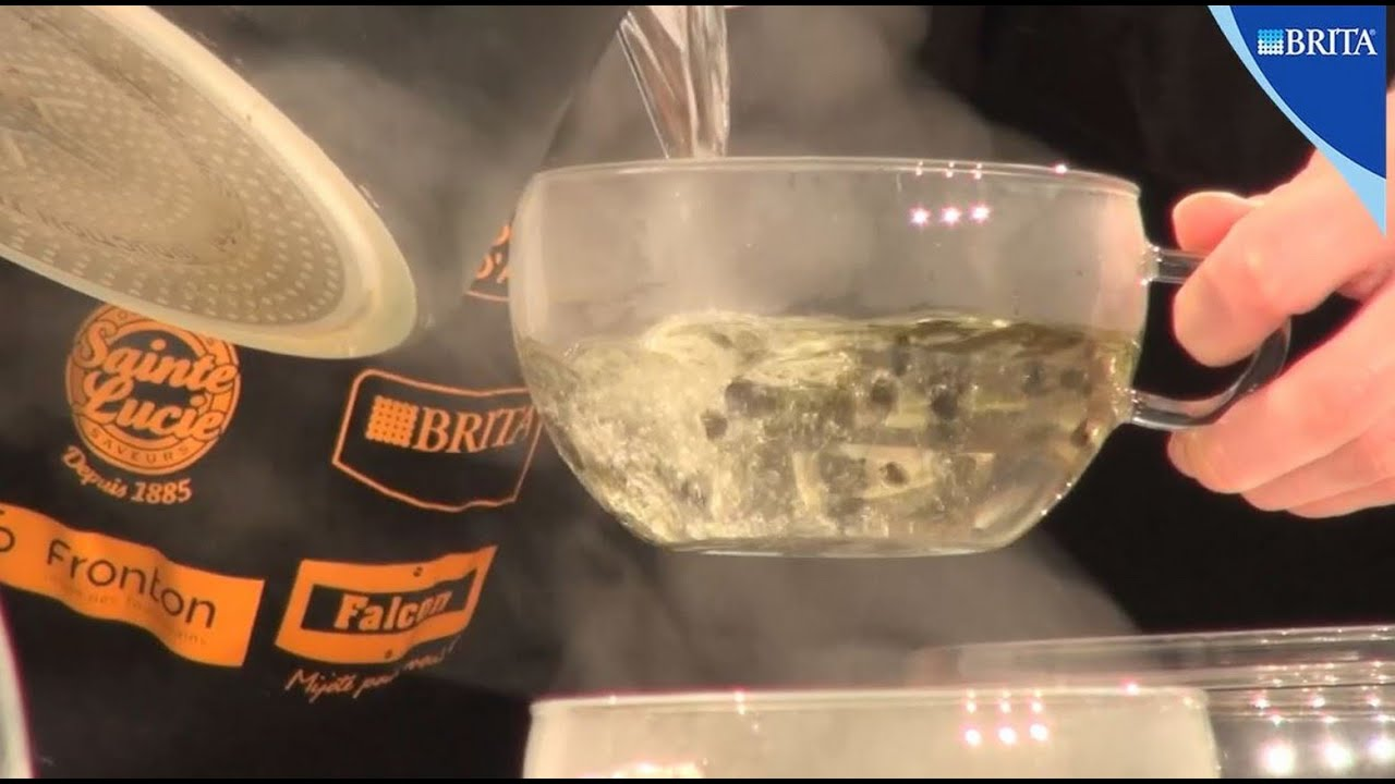 Cuisiner l 39 eau filtr e avec chef damien brita youtube - Cuisiner avec l induction ...