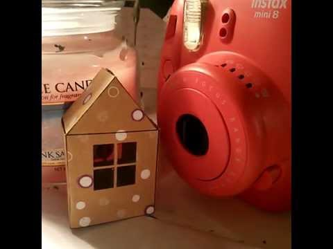 tuto petite maison de noel en carton youtube. Black Bedroom Furniture Sets. Home Design Ideas
