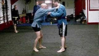 Sambo Techniques – Sleeve & Collar Grip 2: Shoulder Wheel.wmv