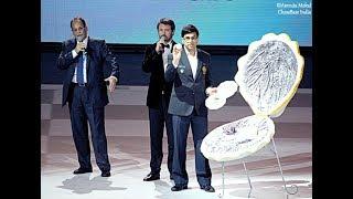 Vishy Anand gets a huge pearl at the Batumi Olympiad 2018!