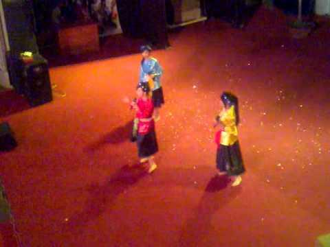 Buc Hoa Dong Que - 11B2 - Chung ket Tran Bien (20/11/2010).mp4