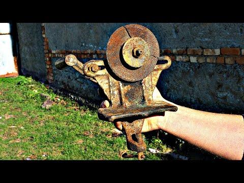 Old Rusty Hand Cranked Grinder  Restoration