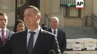 Epstein Settles Suit, Averting Victim Testimony