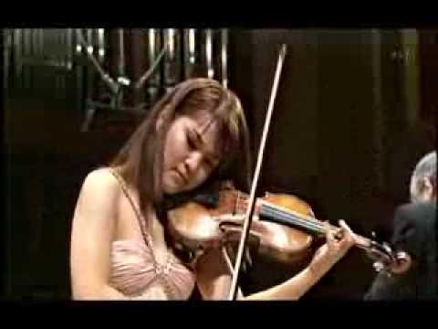 M.kamio plays Tchaikovsky Violin Concerto (1st Mov 2of2)