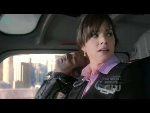 Smallville 10x04 Clark Meets Future Clark Kent
