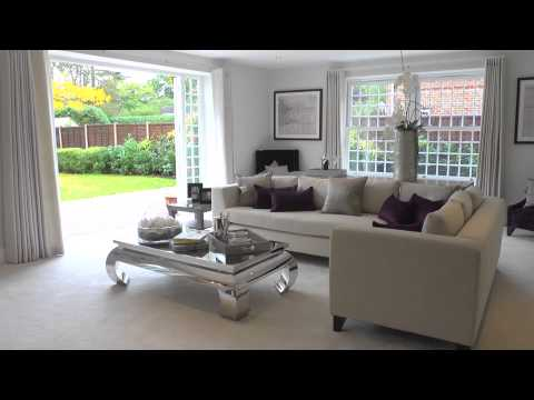 5 bedroom detached house for sale in Stoke Poges, Buckinghamshire - £1,670,000