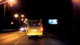 автобус летит на красный.(екатеринбург,щерб-самол)