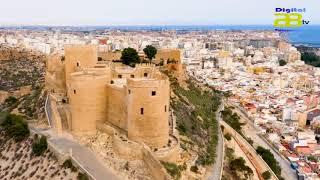 El alcalde de Almería presenta en FITUR el nuevo slogan de la ciudad y el cartel de Semana Santa