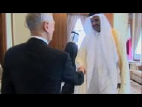 US Defense Secretary meets Emir of Qatar