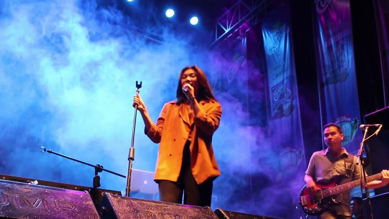 Isyana Sarasvati Pesta Jakcloth Lebaran 2016 Youtube - Pesta Isyana, Lirik Lagu Pesta Isyana Sarasvati Lirik Lagu Dunia