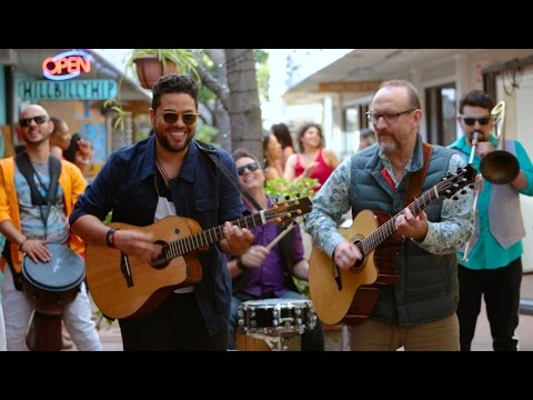 San Miguel - Un Poquito de Amor Everyday (Everybody Needs Some Love Today) ft. Colin Hay