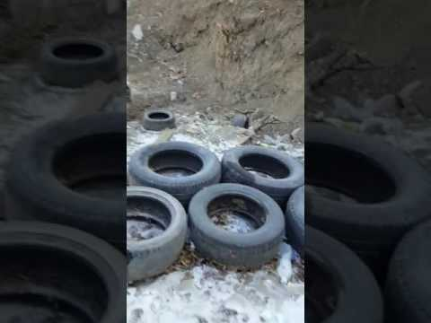 Разрытая теплотрасса на ул. Калинина, 105 во Владивостоке