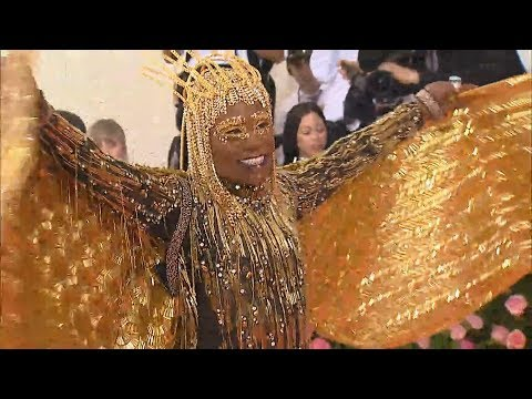 Met Gala 2019: Billy Porter Slays With Golden Wings!