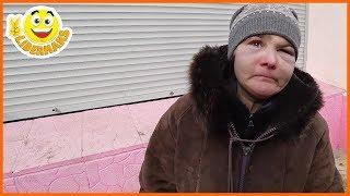 Еда для бездомных | Бездомный ЖИВЁТ 3 ГОДА В ЯМЕ | Что муж делает жене