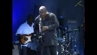 Gerald Albright performs