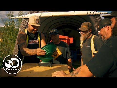 Rick's First Gold of the Season | Gold Rush
