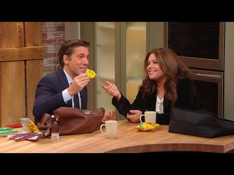 """""""ABC World News Tonight"""" Anchor David Muir's """"Go Bag"""" Is CHOCK FULL of '90s Beauty Products"""