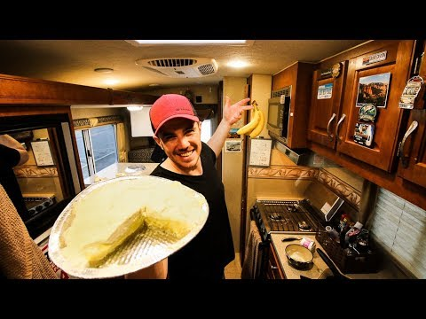 RV COOKING SHOW - Banana Cream Pie !!