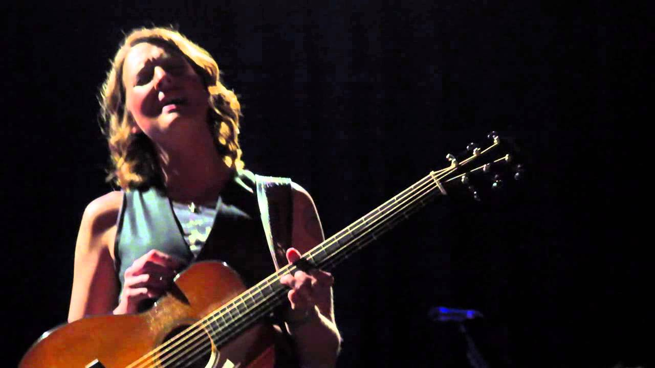 brandi-carlile-amazing-grace-unplugged-islington-assembly-hall-london-13-02-2013-apusskidu