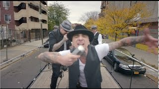 Смотреть клип J-Ax - Sopra La Media