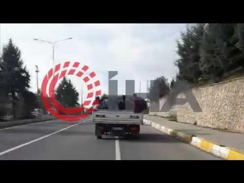 Öğrencilerin dondurucu havada kamyonet kasasında tehlikeli yolculuğu (Video)