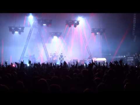 Arctic Monkeys Live - Brianstorm Zenith Paris 08/11/2013