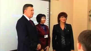 Янукович за два місяці до виборів назвав нового мера Єнакієвого