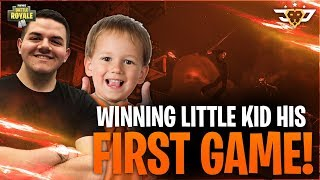 HELPING THE COOLEST LITTLE KID WIN HIS FIRST GAME EVER! - Jeffrey! (Fortnite: Battle Royale)