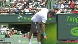 Roger Federer broke his racket (Masters Miami 2009)
