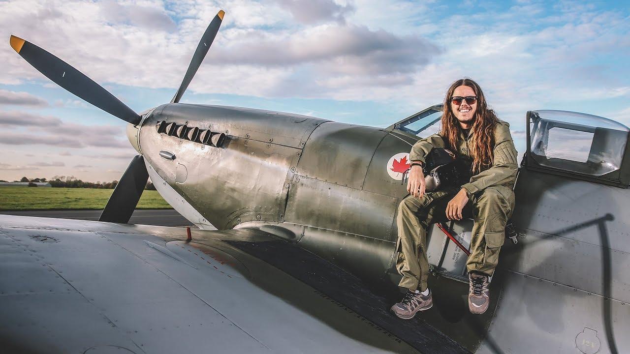 Elicottero 2 Guerra Mondiale : Acrobazie con un aereo della seconda guerra mondiale
