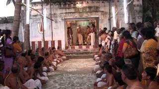 Kanchi Varadarajan - Koorathazhwar Sannidhikku Ezhundarulal_13m 5s thumbnail