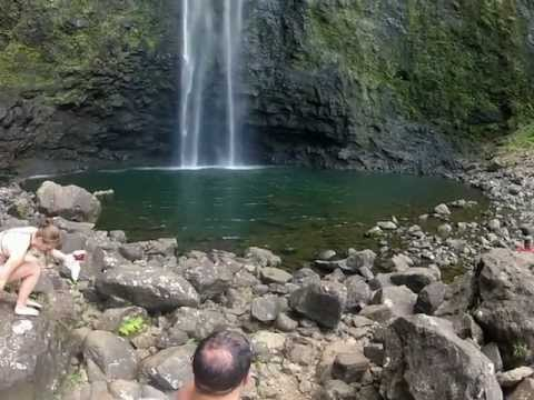 Kalalau Trail to Hanakapiai Falls in HD!- Na pali Coast - Kauai, Hawaii