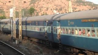 Manmad Godavari exp Kasara to Igatpuri (THUL ghat)