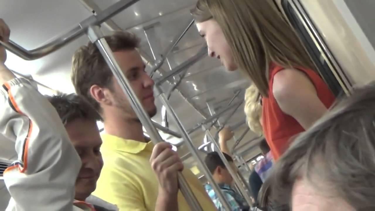 девушками знакомство метро аэропорт с