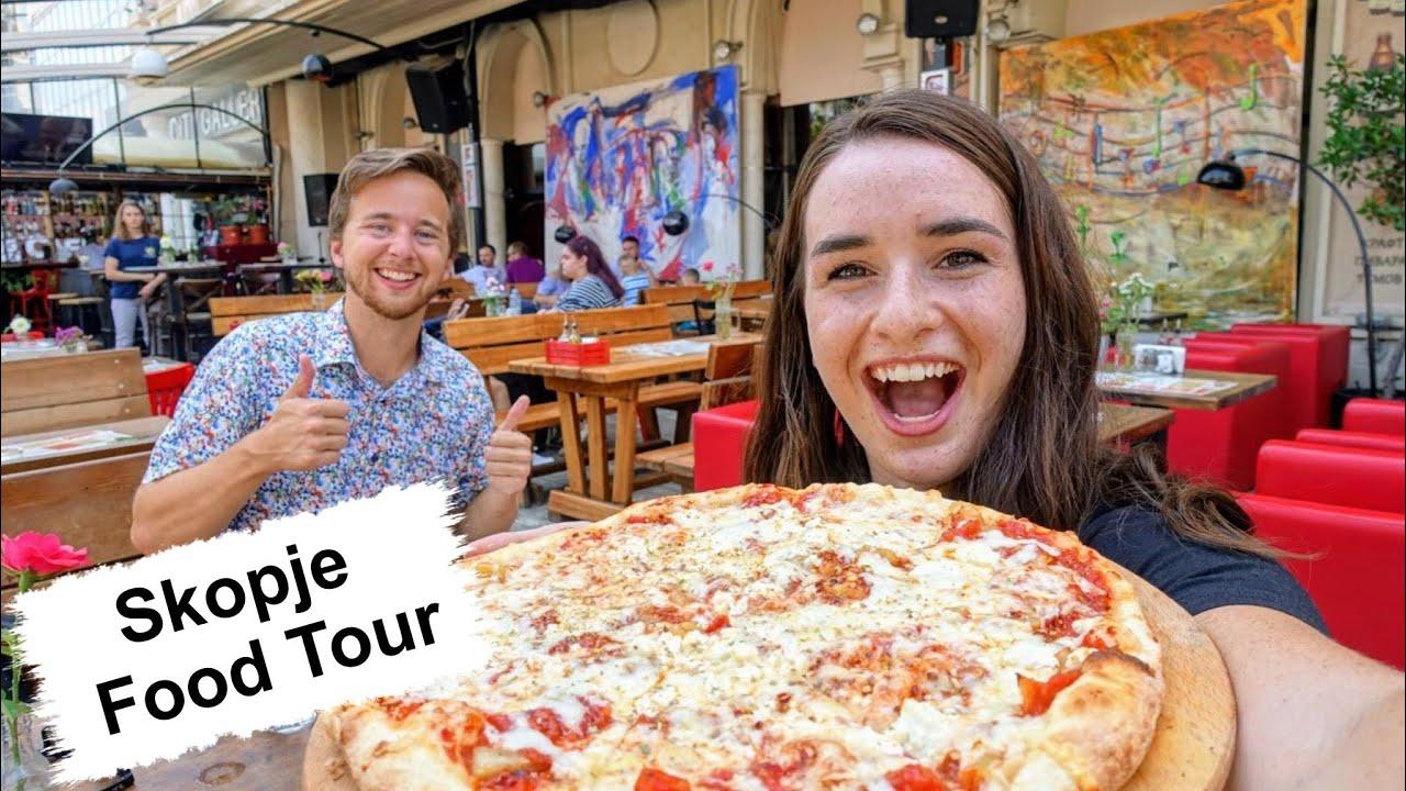 Блогери од САД пробуваат македонска храна во Скопје