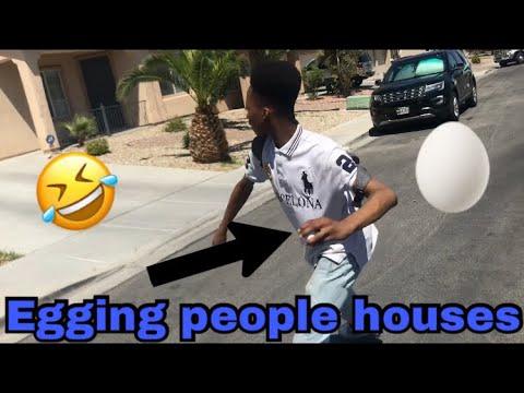 EGGING HOUSES/VLOG!!