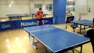 丸子橋卓球スタジオでもお世話になっている、新井卓将さんの背面打ちを...