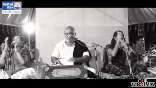 United Way of Baroda Garba 2015  | Aavi Navali Navratri by Atul Purohit