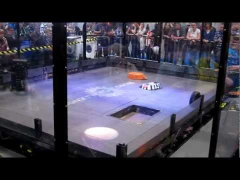The Pit Opens! - RC Robot Challenge / Robot Wars Remote Controlled - Three Battle it out