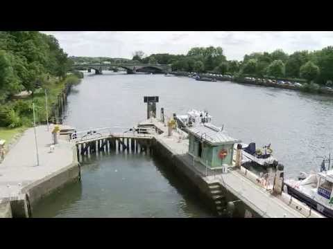 All about Richmond Lock and Weir on the Thames