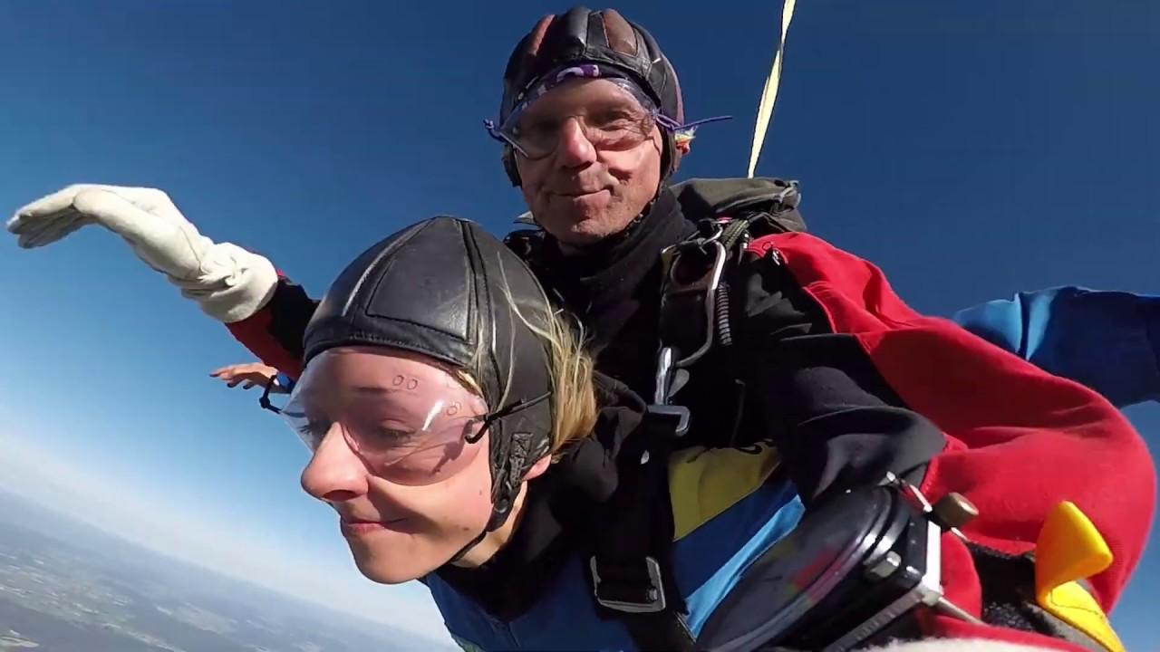 Fallschirm Tandemsprung mit Marisa – Jochen Schweizer