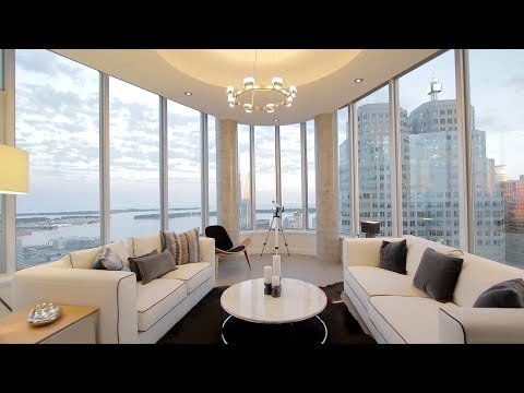 Luxury property in Toronto available with all services of the hotel - 3 Level Penthouse $4,500,000