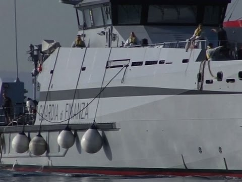 Raw: Migrants Arrive at Italian, Greek Ports