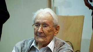 Former Nazi bookkeeper at Auschwitz on trial as accessory to murder