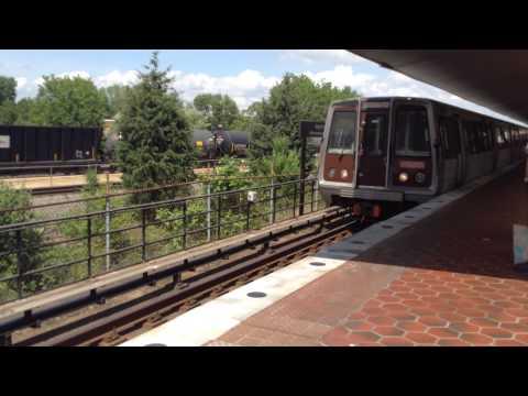 Washington DC Metro   Blue Line Arriving at King Street